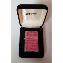 Swarovski aux cristaux rouge Zippo, garantie à vie pour allumer votre cigarette de tous les jours.