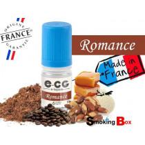 E-liquide ROMANCE SIGNATURE E-CG, SAVEUR TABAC BLOND NOTE CAFE, AMANDE GRILLE, VANILLE ET CARAMEL POUR UNE VAPE DENSE.
