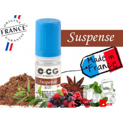 E-liquide SUSPENSE SIGNATURE E-CG, SAVEUR TABAC CLASSIC BLOND, COCKTAIL DE FRUITS ROUGES, EUCALYPTUS, MENTHOL ET ANISE.